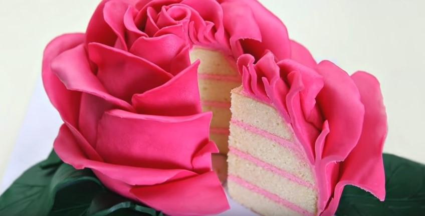 comment faire ce sublime g teau en forme de rose la recette. Black Bedroom Furniture Sets. Home Design Ideas