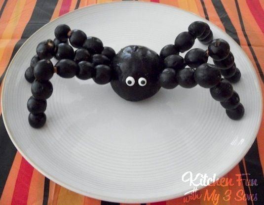 64-non-candy-halloween-snack-ideas-spider-snack