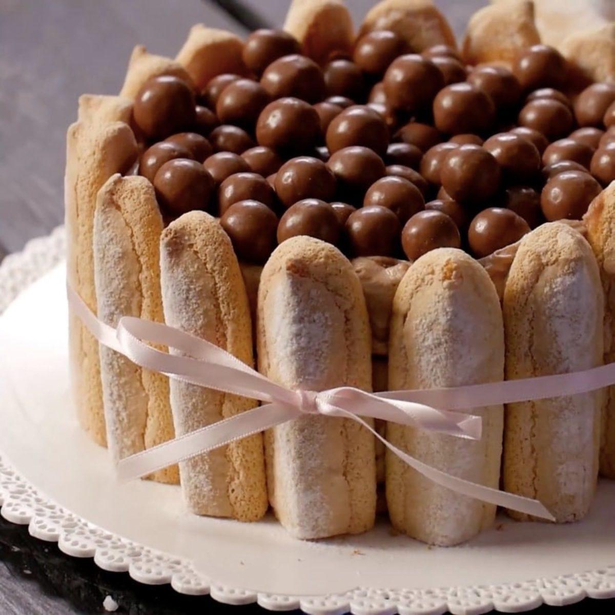 Recette Charlotte Au Chocolat Sans Oeuf la merveilleuse charlotte à la pâte à tartiner et aux maltesers