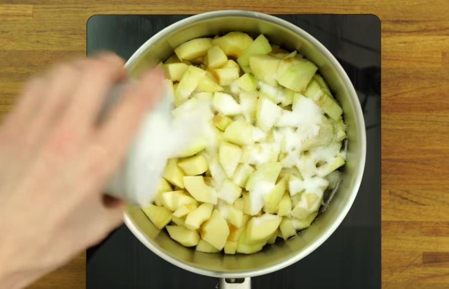 la compote de pommes la cannelle la recette. Black Bedroom Furniture Sets. Home Design Ideas