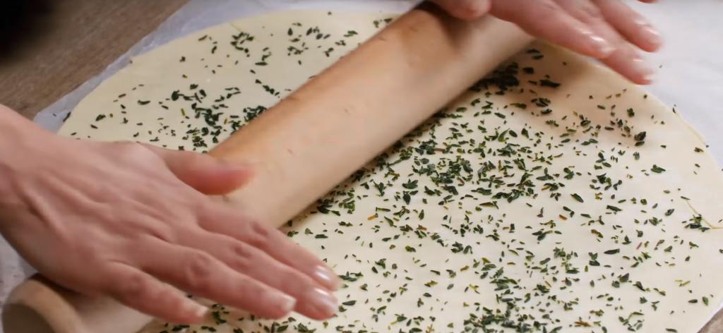 La recette facile du gigot d'agneau en croûte à la tapenade2