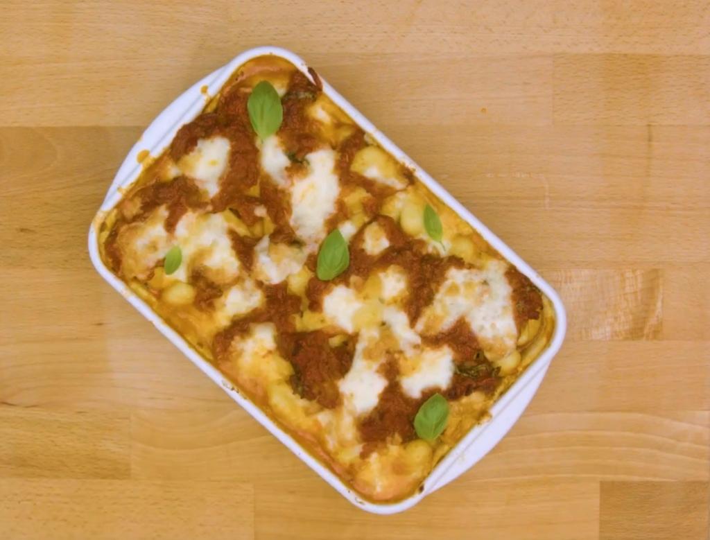 Le gratin de gnocchis à la sauce tomate et mozzarella