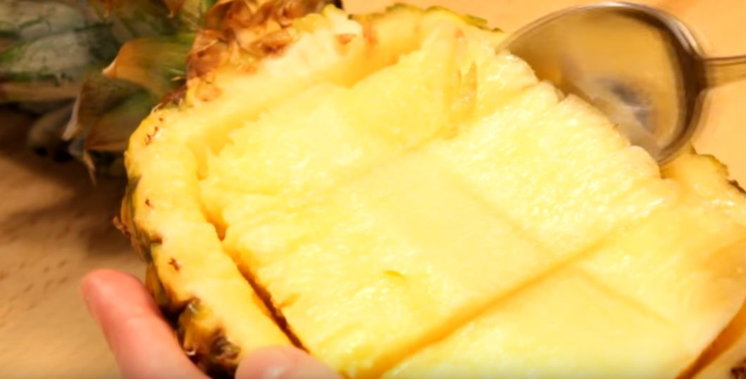 Dégustez une recette de salade ensoleillée à l'ananas1
