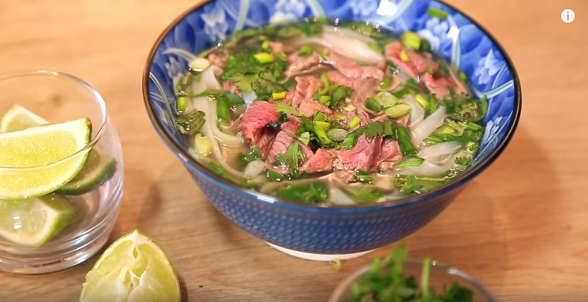 Soupe vietnamienne phô au boeuf
