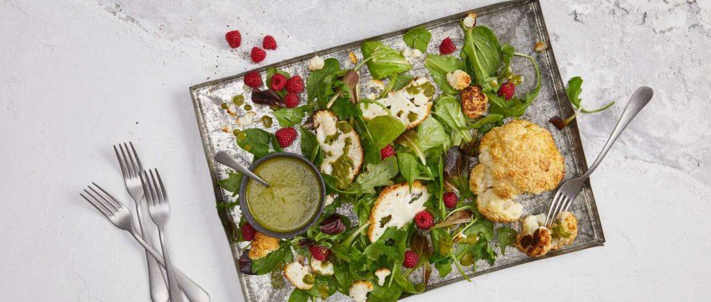Salade de choux-fleurs grillés et sa sauce exotique