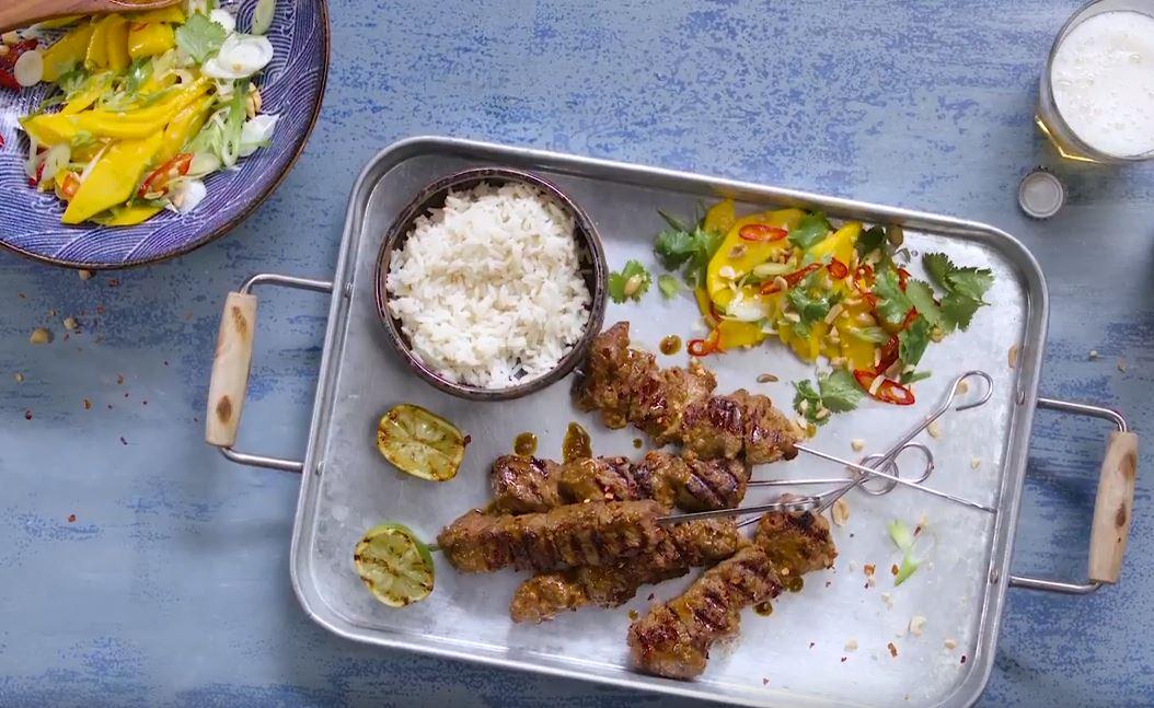 Brochettes de bœuf et salade de mangue5