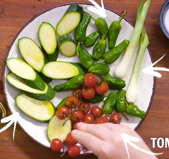Plat de pâtes aux légumes grillés6