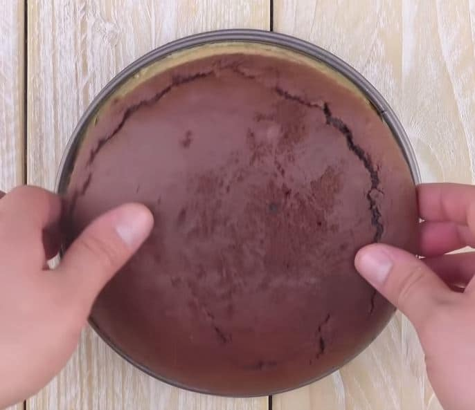 Délicieux gâteau au chocolat et snickers