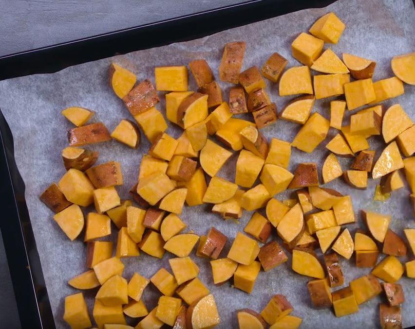 patates douces au four et houmous de noix de cajou