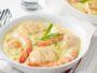 ragoût de la mer aux crevettes, saumon et riz sauvage