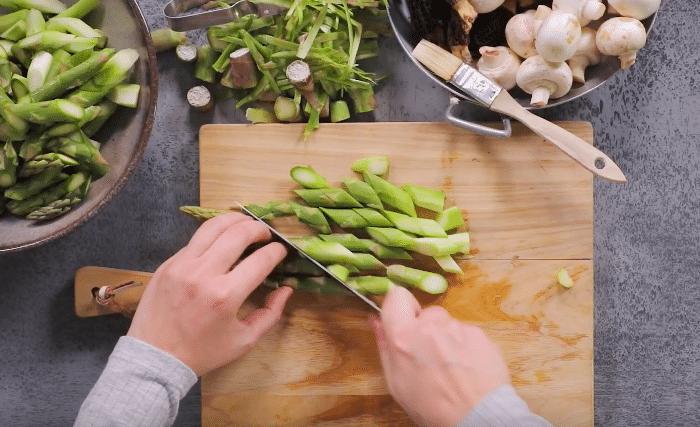 Salade asperge et morilles