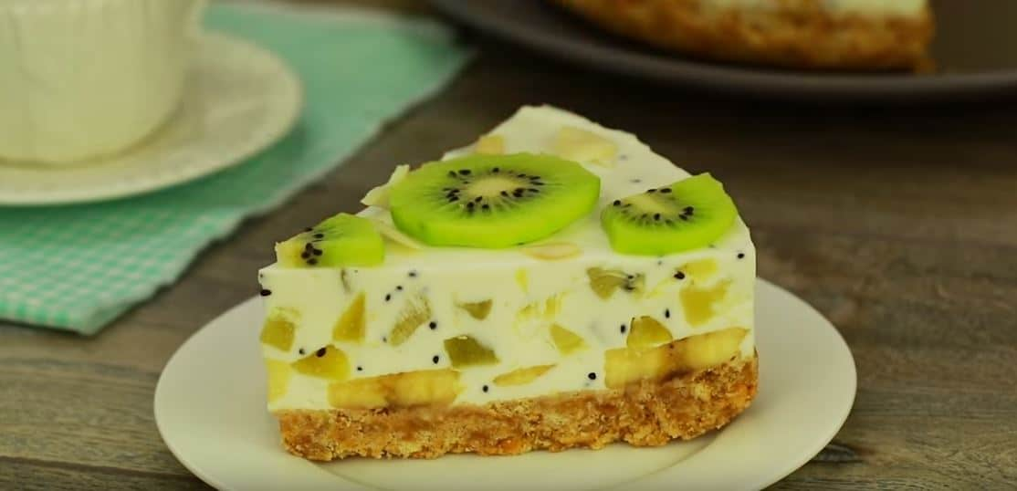 Gâteau sans cuisson aux kiwis et bananes