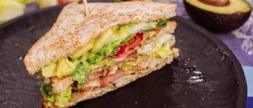 Club sandwich poulet bacon