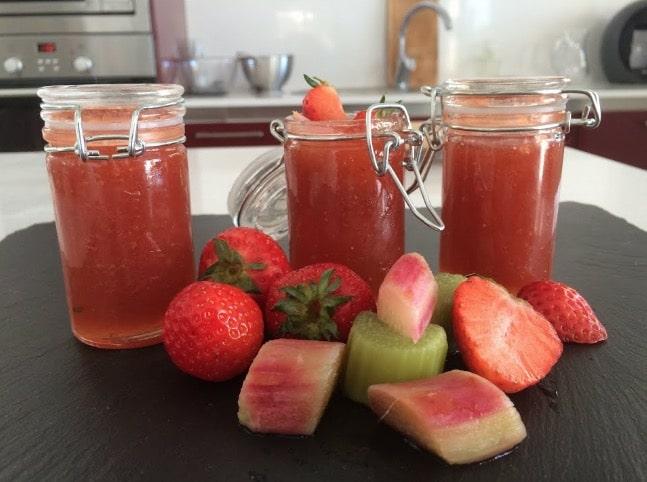 confiture de rhubarbe et fraises