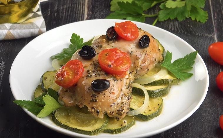 Papillote de cuisse de poulet et légumes du jardin