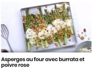 Asperges au four avec burrata et poivre rose
