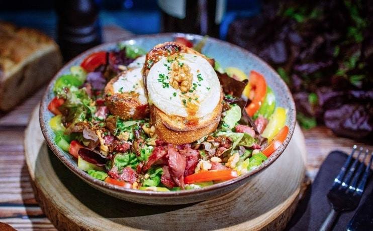 salade gourmande chèvre chaud