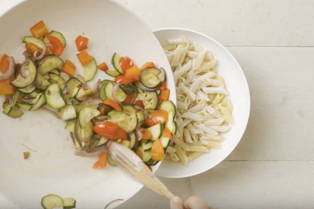 Pâtes aux légumes d'été grillés