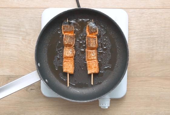 brochettes de poisson grillés au barbecue