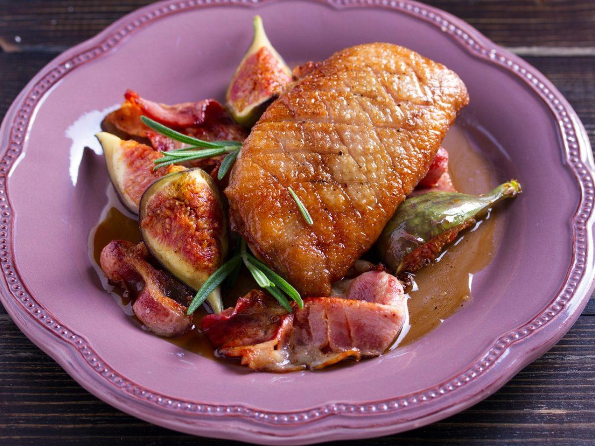 Magret de canard aux figues et vin blanc - La Recette