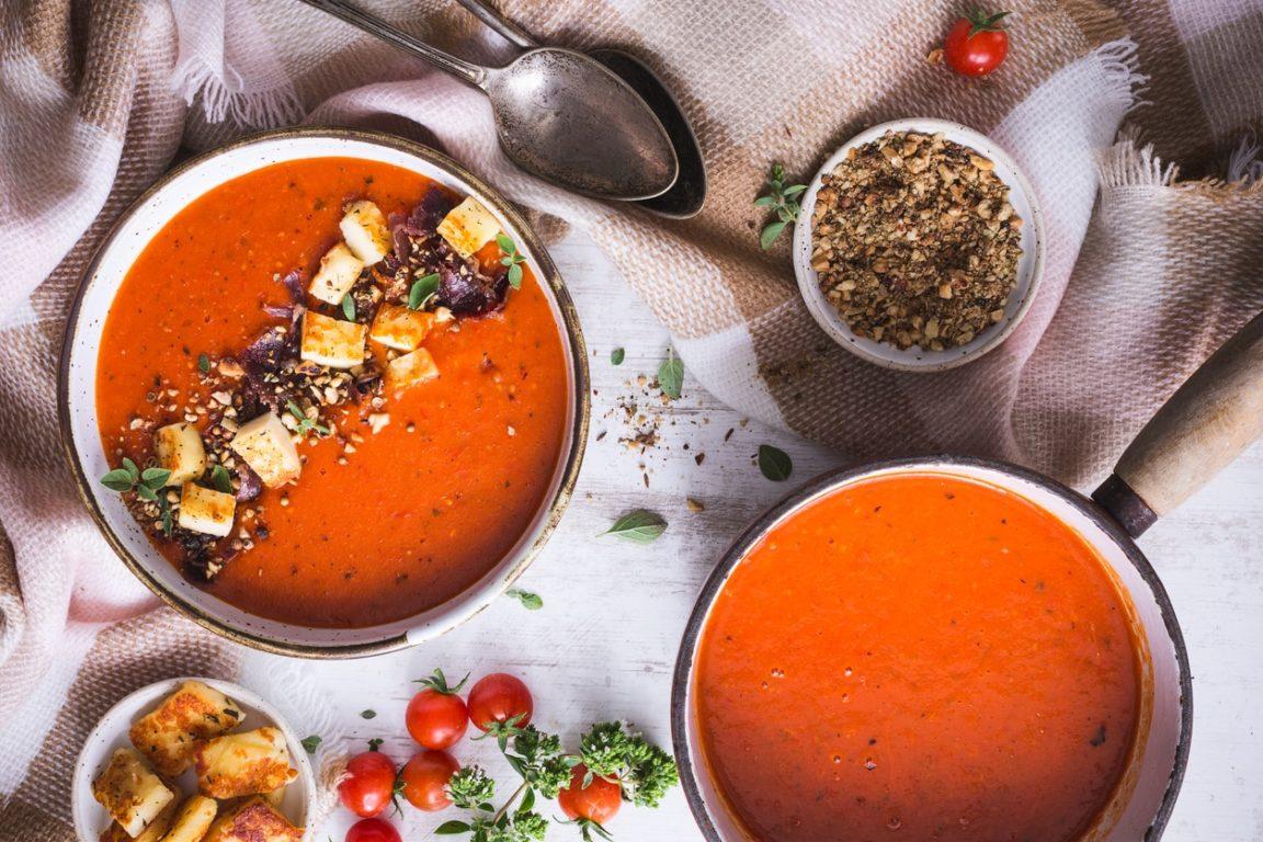 gaspacho tomate poivron halloumi