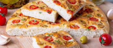 Focaccia tomates olives