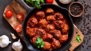 Boulettes de viande de boeuf à la sauce tomate